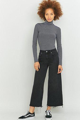 bdg-raw-edge-black-cropped-flood-jeans-womens-29w-32l