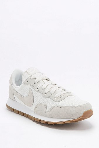 nike-air-pegasus-83-white-trainers-womens-8