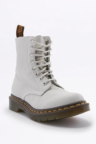 dr-martens-pascal-eight-eyelet-white-boots-womens-5