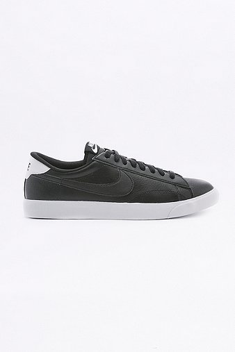 nike-tennis-classic-ac-black-trainers-mens-9