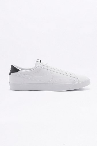 nike-tennis-classic-ac-white-trainers-mens-9