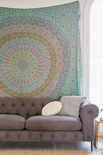 maina-medallion-tapestry