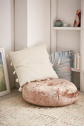 amya-velvet-pouf-cushion