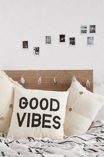 good-vibes-cushion