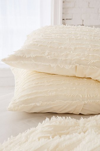 eyelash-fringe-pillowcase-set