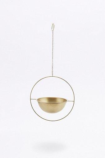 round-hanging-planter