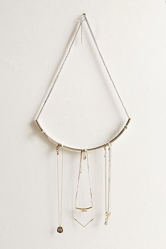 curved-bar-hanging-jewellery-organizer