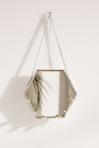 hexagon-hanging-mirror-jewellery-organizer