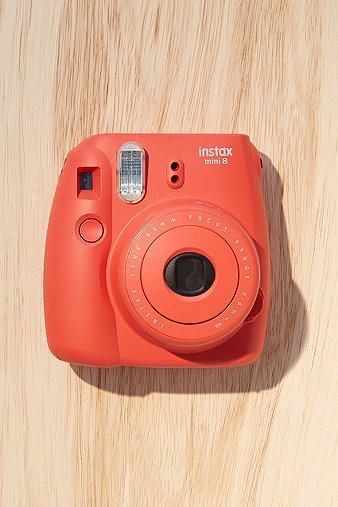fujifilm-instax-mini-8-raspberry-instant-camera