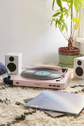 audio-technica-x-uo-at-lp60-pink-vinyl-record-player