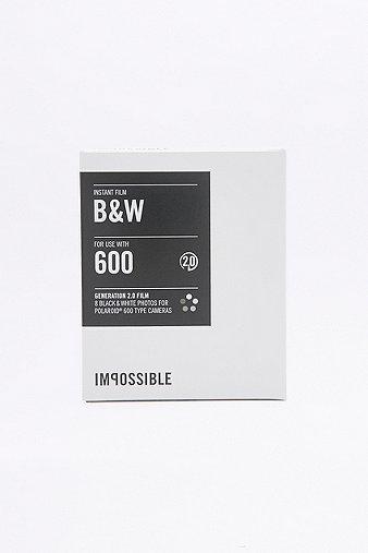 impossible-black-white-polaroid-600-instant-film