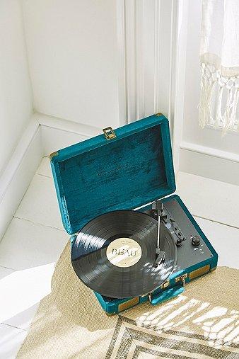 crosley-cruiser-emerald-green-velvet-vinyl-record-player