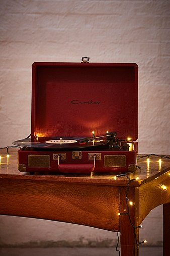 crosley-cruiser-oxblood-vinyl-record-player