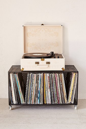 crosley-x-uo-av-room-embossed-portable-usb-vinyl-record-player
