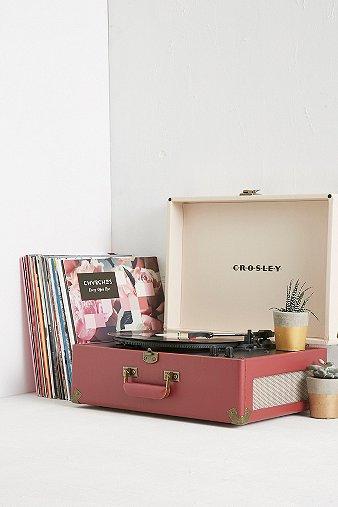 crosley-keepsake-portable-cream-burgundy-vinyl-record-player