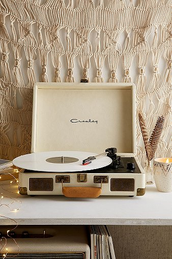 crosley-x-uo-cruiser-cream-briefcase-portable-vinyl-record-player