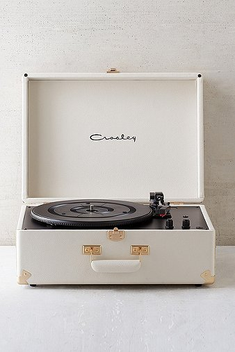 crosley-x-uo-av-room-cream-portable-usb-vinyl-record-player