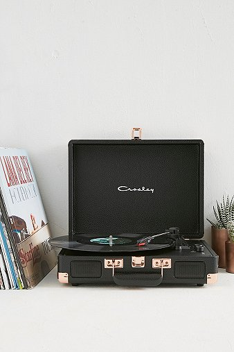 crosley-cruiser-black-rose-gold-vinyl-record-player