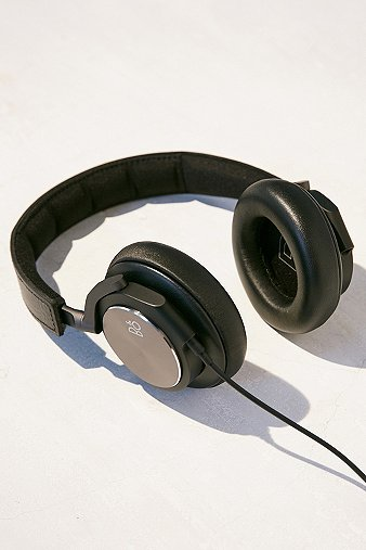 bo-play-h6-black-headphones