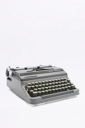 vintage-bluebird-torpedo-typewriter