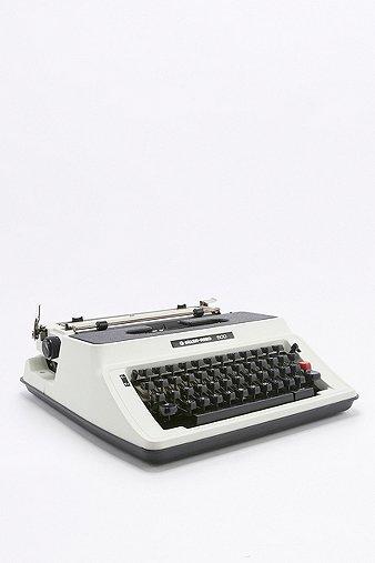 vintage-silver-reed-500-typewriter