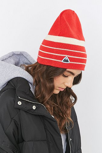 ski-mountain-badge-ribbed-beanie-womens-one-size