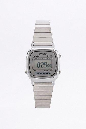 Casio - Petite montre à affichage numérique argentée - Femme ONE 38IZE