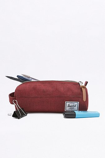 herschel-supply-settlement-wine-tasting-maroon-pencil-case-womens-one-size