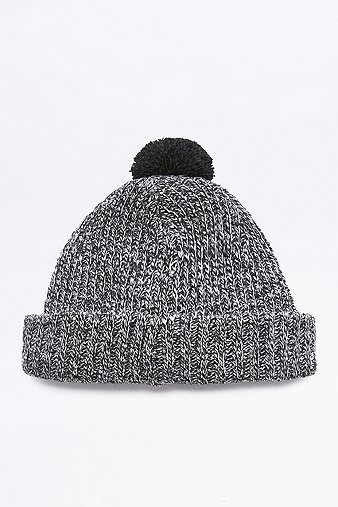 urban-outfitters-black-white-basket-weave-bobble-hat-mens-one-size
